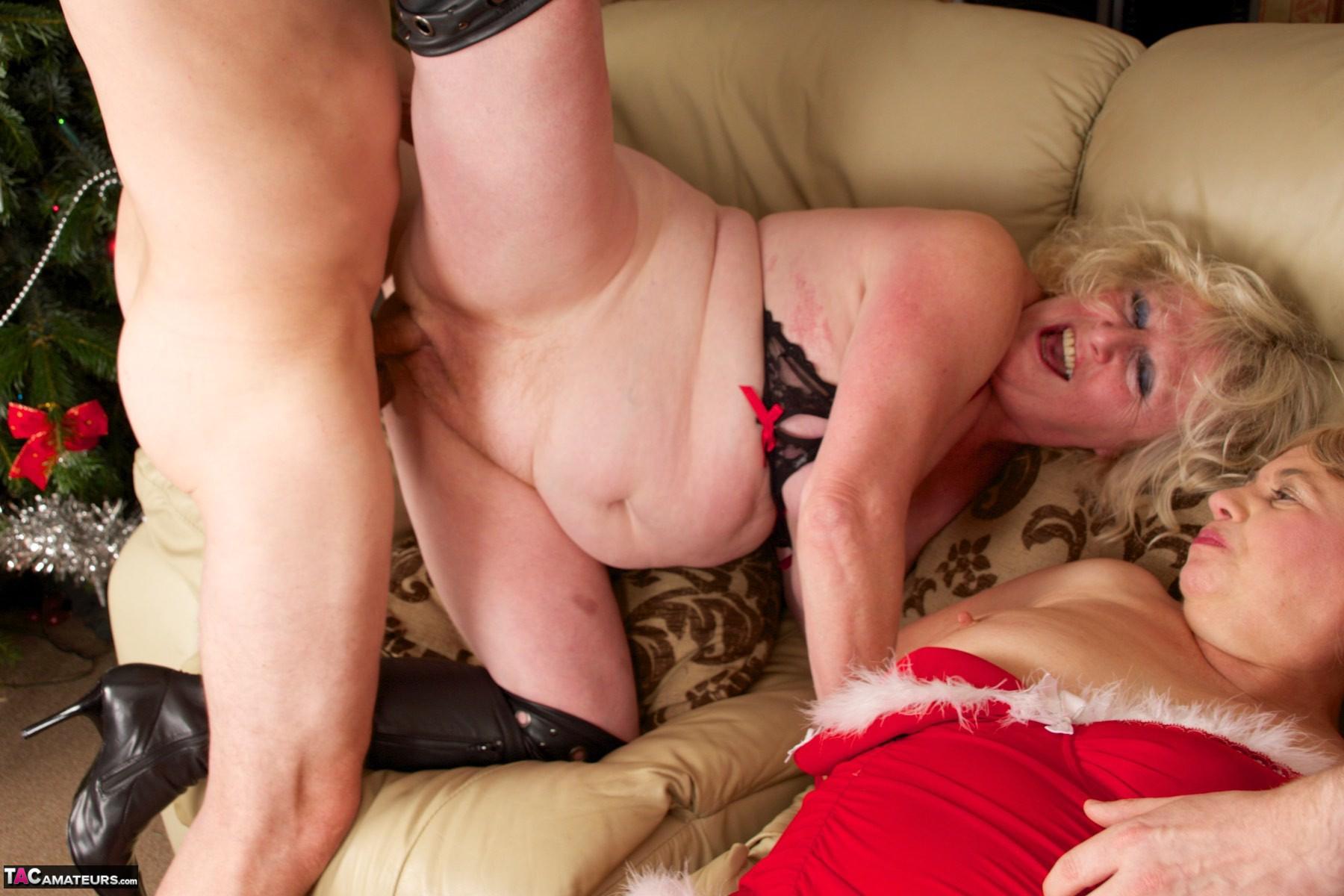 Sex kiss white fat women