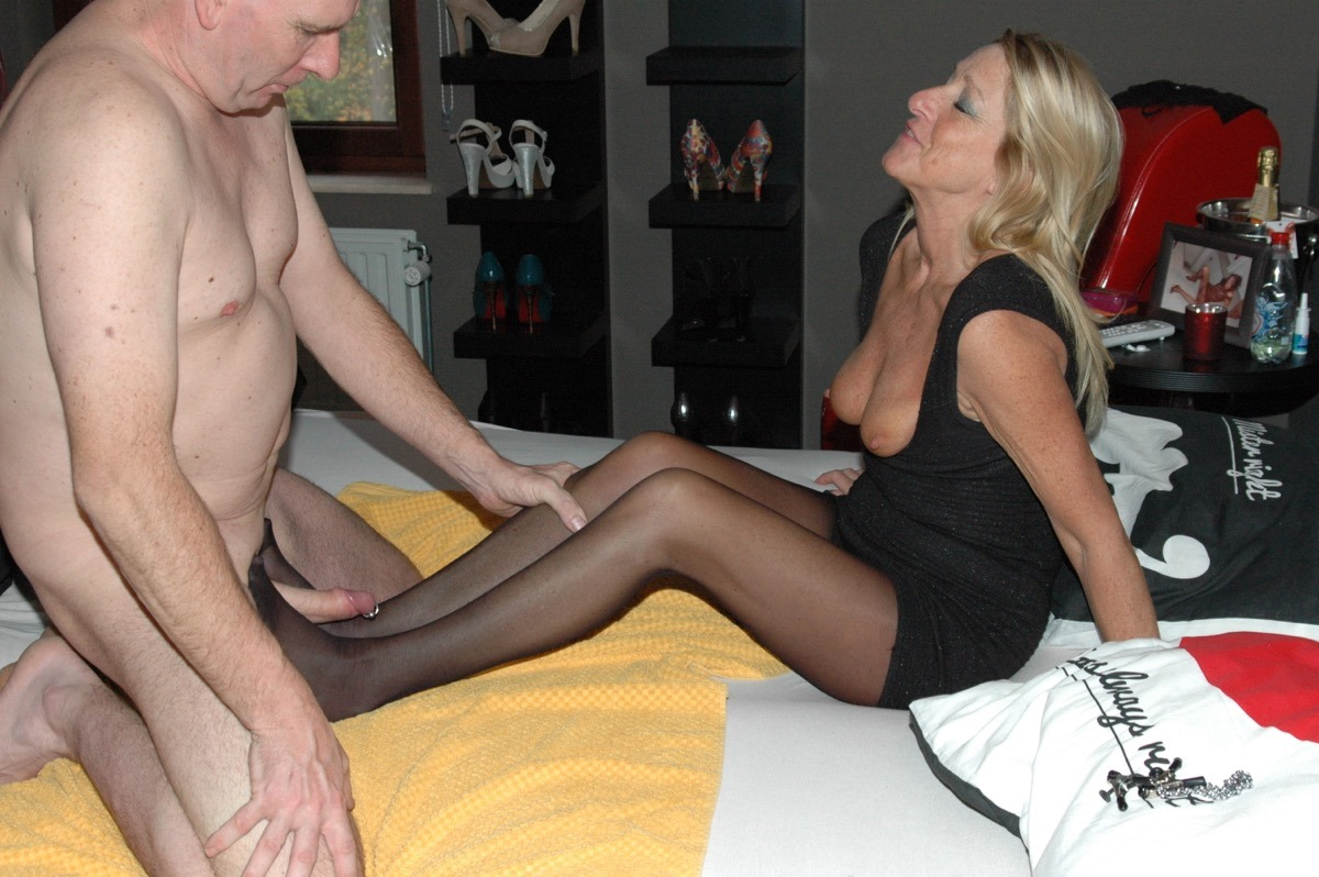 Amateur wife home video-1488