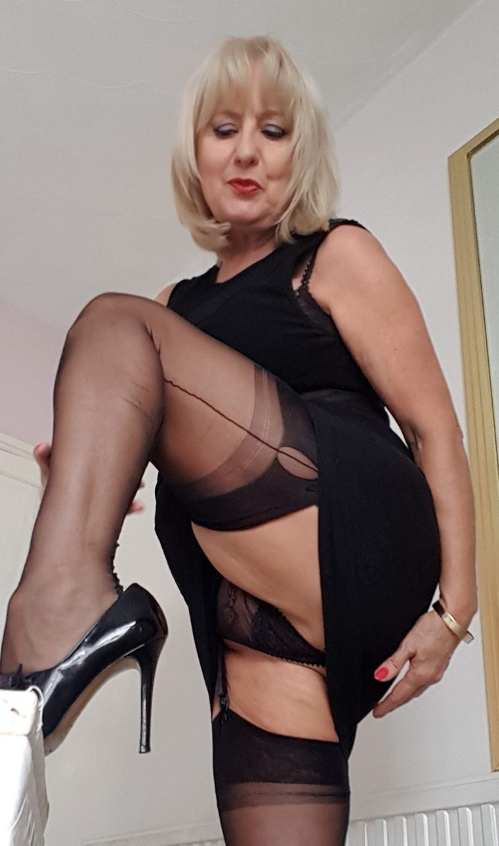 Lady charlotte british milf 11