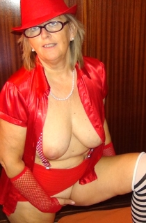 AbbyRoberts - Abby is a sexy mature exhibitionist. There is nothing fake about this half Swiss, half Welsh horny MILF. What you see is what you get