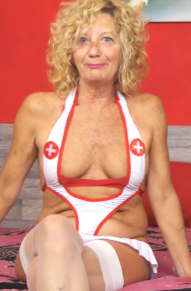 As her name implies, Anne Swinger is a mature swinger who loves eroticism and sex. She's been a nude model since 2005 and loves being infront of the camera