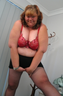 BBWet4U is an all natural mature and big fat babe. A must for all BBW fans