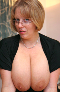 The original British Big Boobed Amateur Porn Queen. Claires 32HH natural boobs have been keeping her members happy for years.