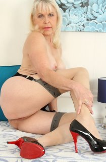 A retired school teacher whos now an award winning international adult performer. Lady Sextasy defines what GILF porn is all about