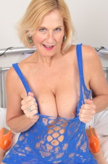 Molly MILF on TAC Amateurs