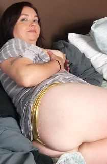 Amateur BBW porn as it should be. This sexy volutptuous MILF is a must see for all BBW fans. Check her out now