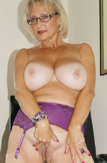 Mature MILFs and Granny Amateur Websites