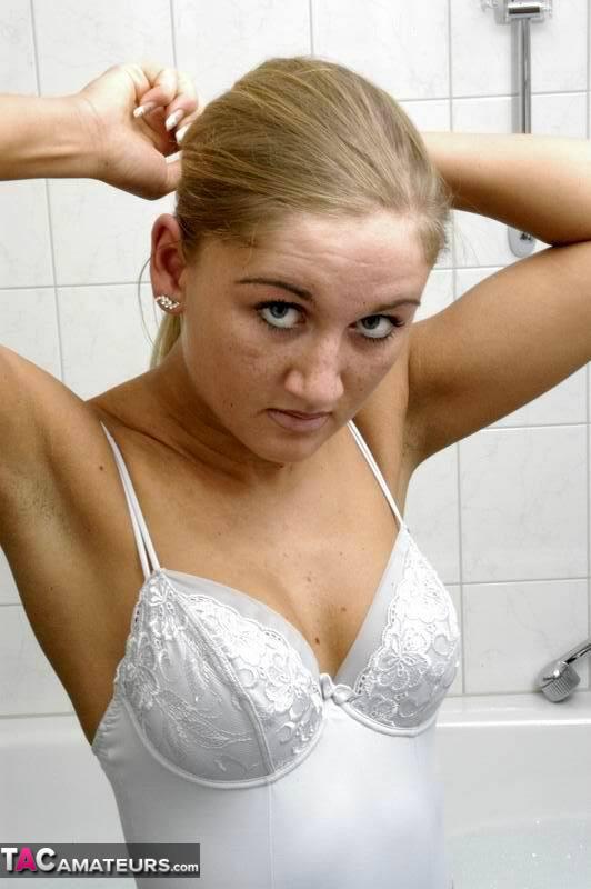 Marry – Stuttgart (ALL) dans la salle de bains