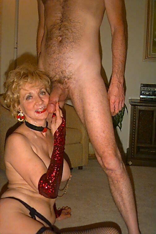 Mature blonde granny sucking fucking