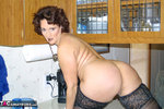Reba. What's on Your Counter? Free Pic