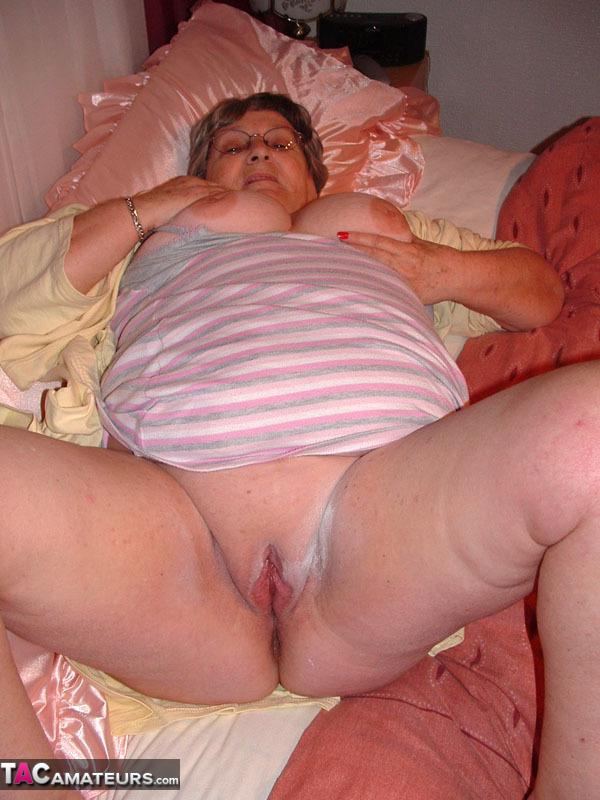 Grannie Creampie 103