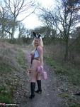 Barby. Barby Finds an Easter Tree Free Pic 6