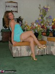 Devlynn. Devlynn Brings the Flowers Inside Free Pic 1