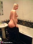 TraceyLain. Pregnant Blonde Shower Free Pic 2