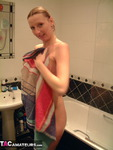TraceyLain. Pregnant Blonde Shower Free Pic 10