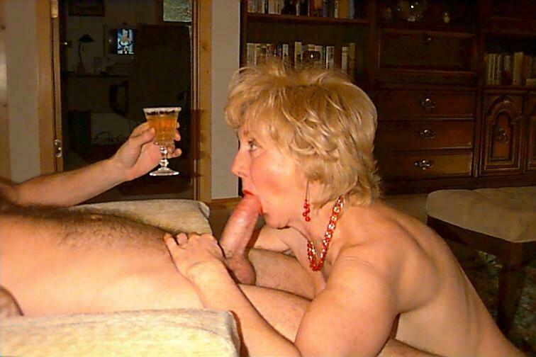 Homemade deepthroat blowjob couple