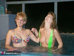 Reba. Hot Tub Heaven Free Pic 10