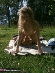 Reba. Summer Fun in the Sun Free Pic 13