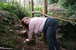 MaddyBBW. Posing in the Garden Free Pic 8
