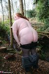 MaddyBBW. Posing in the Garden Free Pic 14