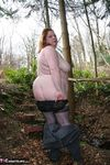 MaddyBBW. Posing in the Garden Free Pic