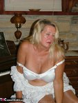 Adonna. Oldies but Goodies Free Pic 8