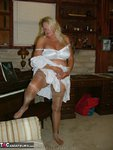 Adonna. Oldies but Goodies Free Pic 9