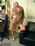 TraceyLain. New Fur Coat Free Pic 1