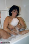 Reba. Bubble Bath Fun Free Pic 6