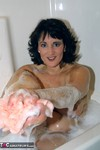 Reba. Bubble Bath Fun Free Pic 8