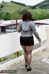 Reba. Up On The Roof Free Pic 2