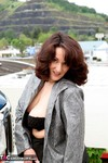 Reba. Up On The Roof Free Pic 5