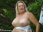Adonna. Playing In The Park Free Pic 1