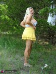 Adonna. Playing In The Park Free Pic 10