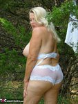 Adonna. Playing In The Park Free Pic 18