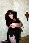 Reba. I Am A Little Minx Free Pic 1