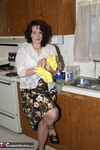 Reba. Lets Do Some Dishes Free Pic 1