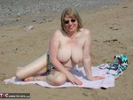 SpeedyBee. On The Beach Free Pic 11