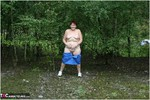 ValgasmicExposed. Nood In The Park Free Pic 1