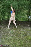 ValgasmicExposed. Nood In The Park Free Pic 2