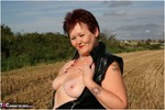ValgasmicExposed. Hayfield Flashing Free Pic
