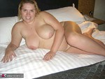 Barby. Barby Gets Hot & Steamy Free Pic 12