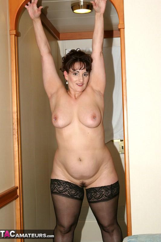 Смотреть бесплатно фото голых мамаш большие ляшки