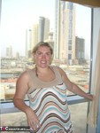 Barby. Barby In The Sun Of Dubai Free Pic 1