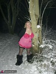 Barby. Barby Playing In The Snow Free Pic 2
