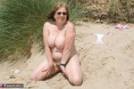 SpeedyBee. Sand In My Pussy Free Pic 13