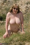 SpeedyBee. Naked Under The Cliffs Free Pic 11
