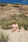 SpeedyBee. Naked Under The Cliffs Free Pic