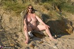 SpeedyBee. Fur Coat On The Beach Free Pic 16