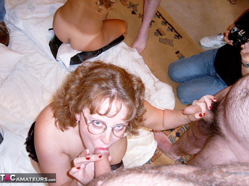 Girls sucking gog cock